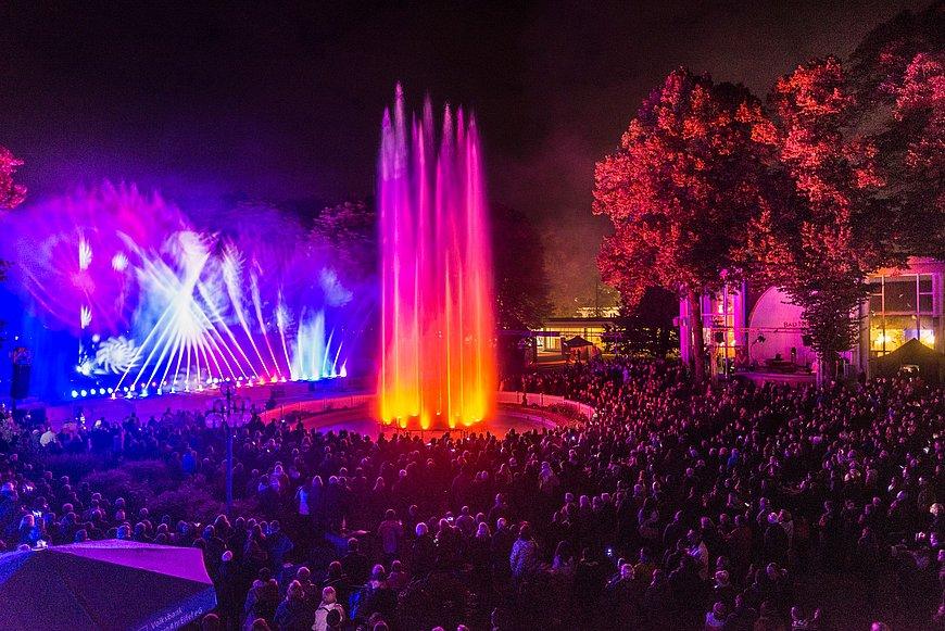 Lasers et jeux d'eau au festival Klangwelle de Bad Neuenahr, vallée de l'Ahr