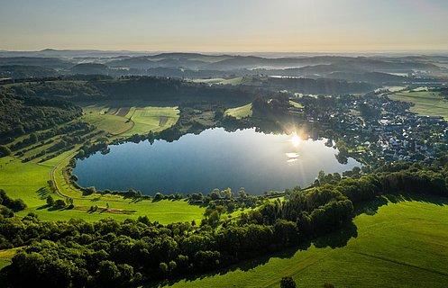 Schalkenmehrener Maar bei Daun, Eifel