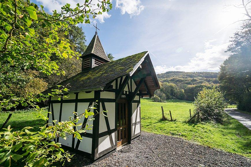 De Moeder Rosa-kapel in het Fockenbachtal, Westerwald