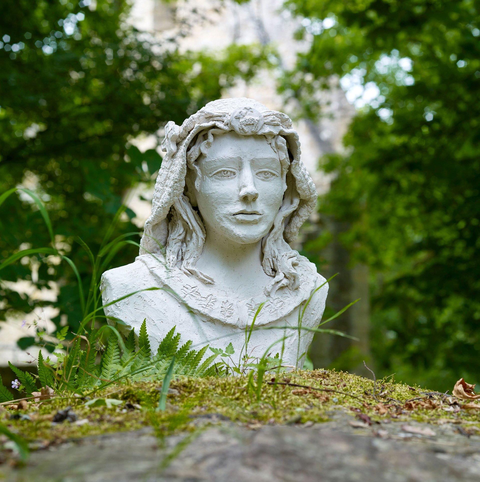 Büste der Hildegard von Bingen in Bingen, Nahe /Rheinhessen
