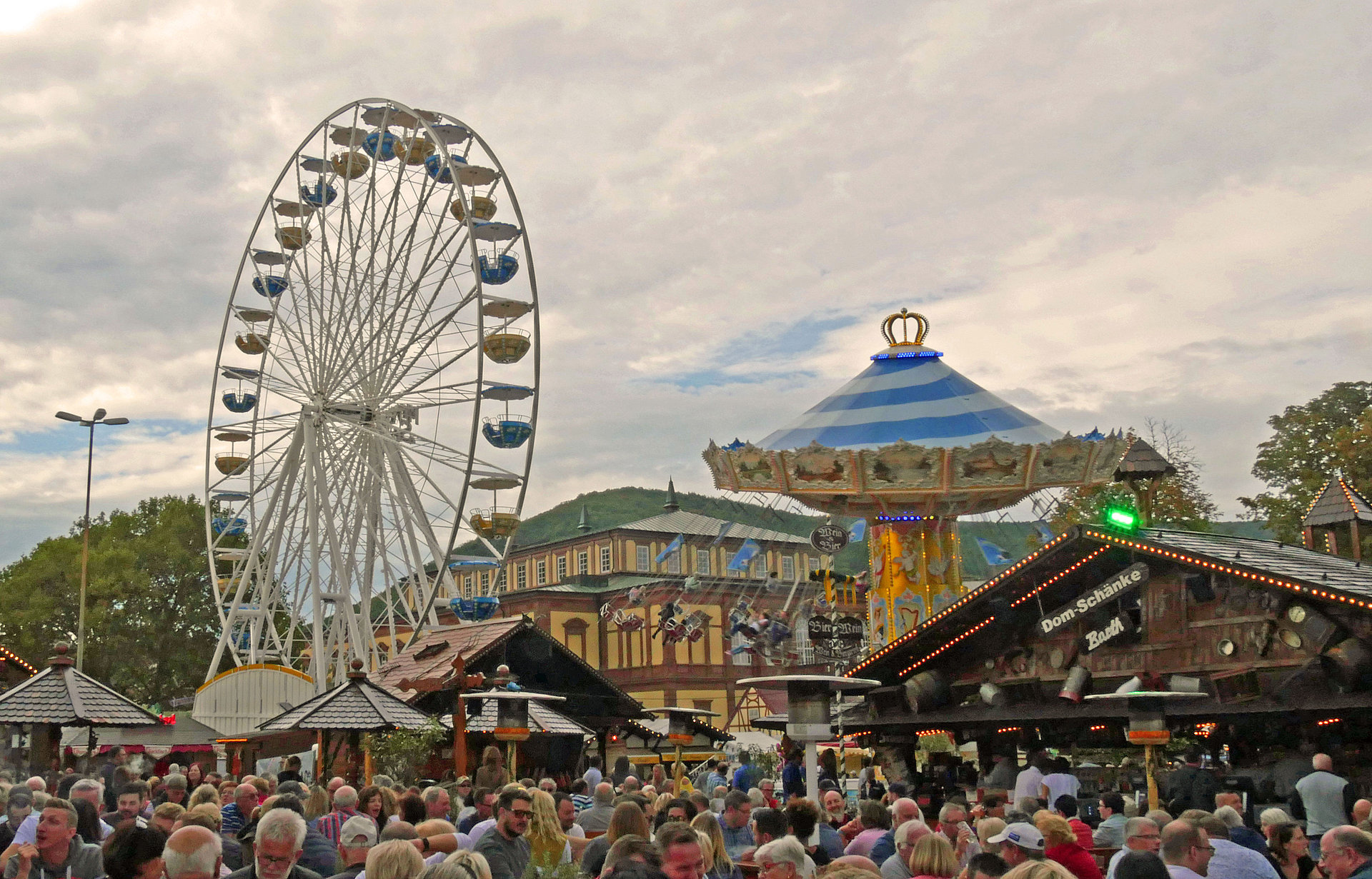 "Rides on the fair at the German Wine Festival in ""Neustadt an der Weinstrasse"", Palatinate"