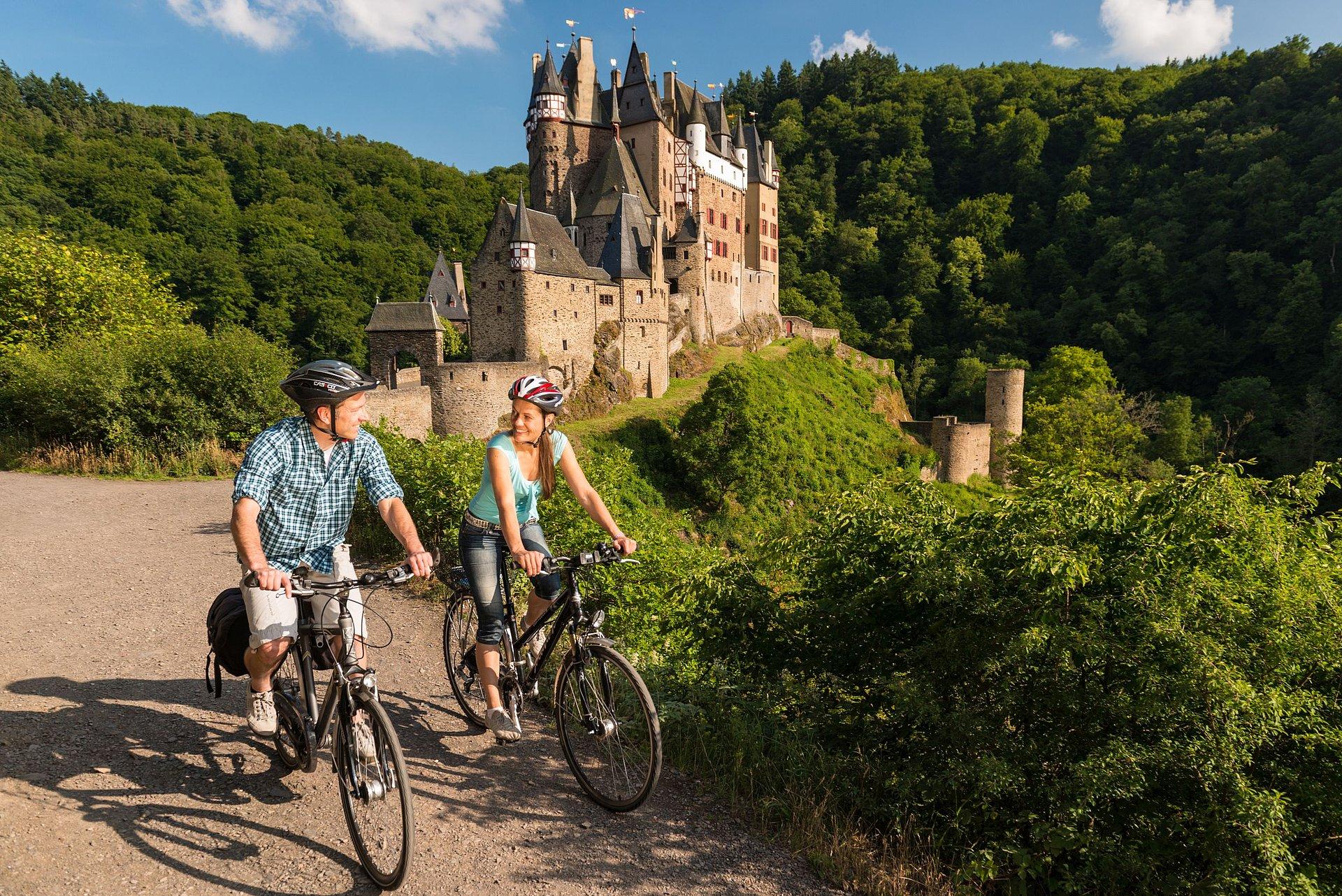 Über den Maifeld-Radweg zur Burg Eltz, Eifel