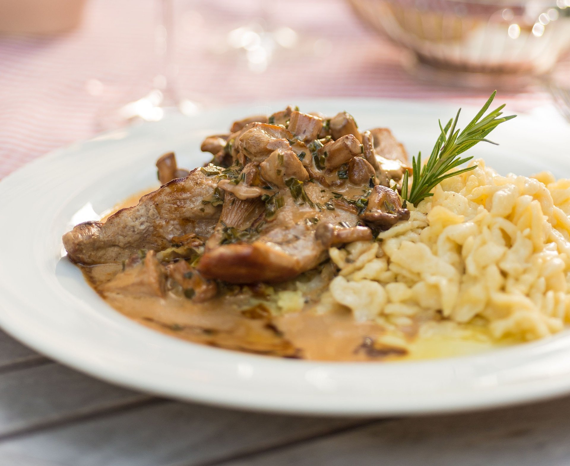 "Typical dish in Rhine-Hesse with ""Spätzle"""