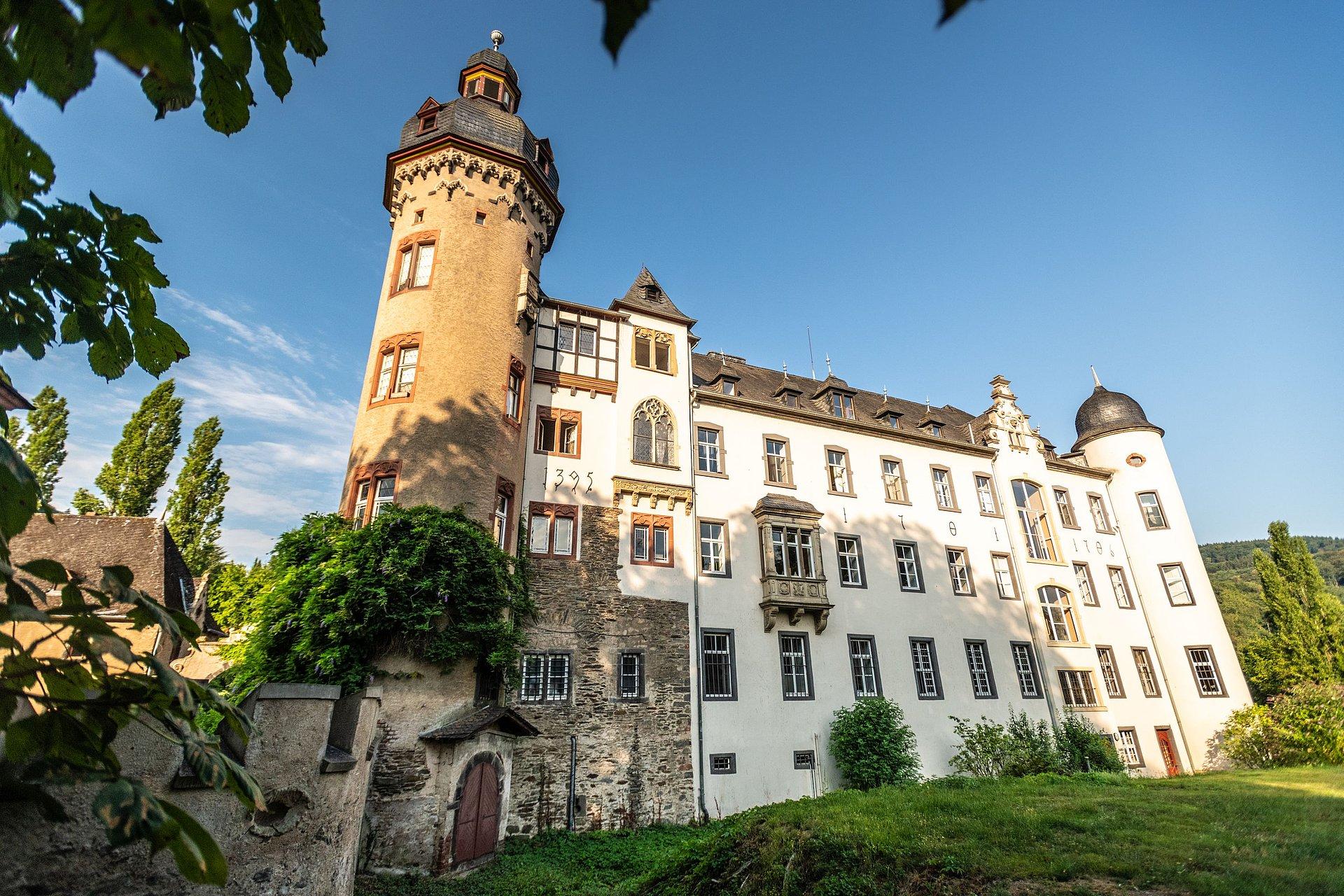 Schloss Burg Namedy bei Andernach, Romantischer Rhein