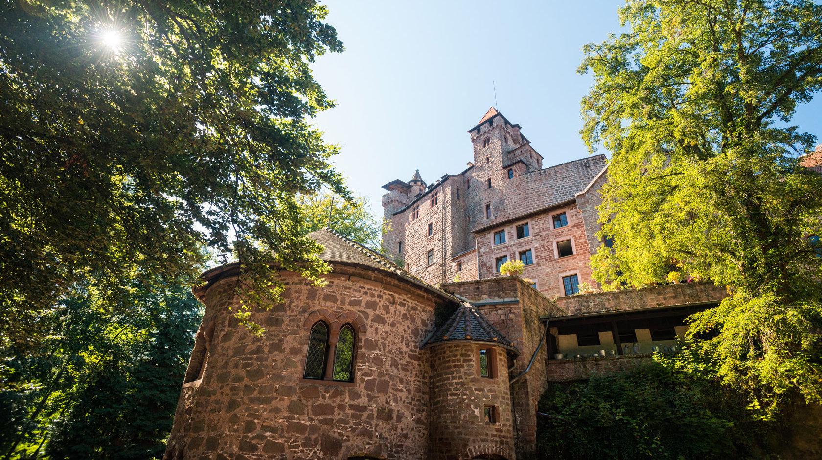 Außenansicht der Burg Berwartstein in Erlenbach bei Dahn, Pfalz