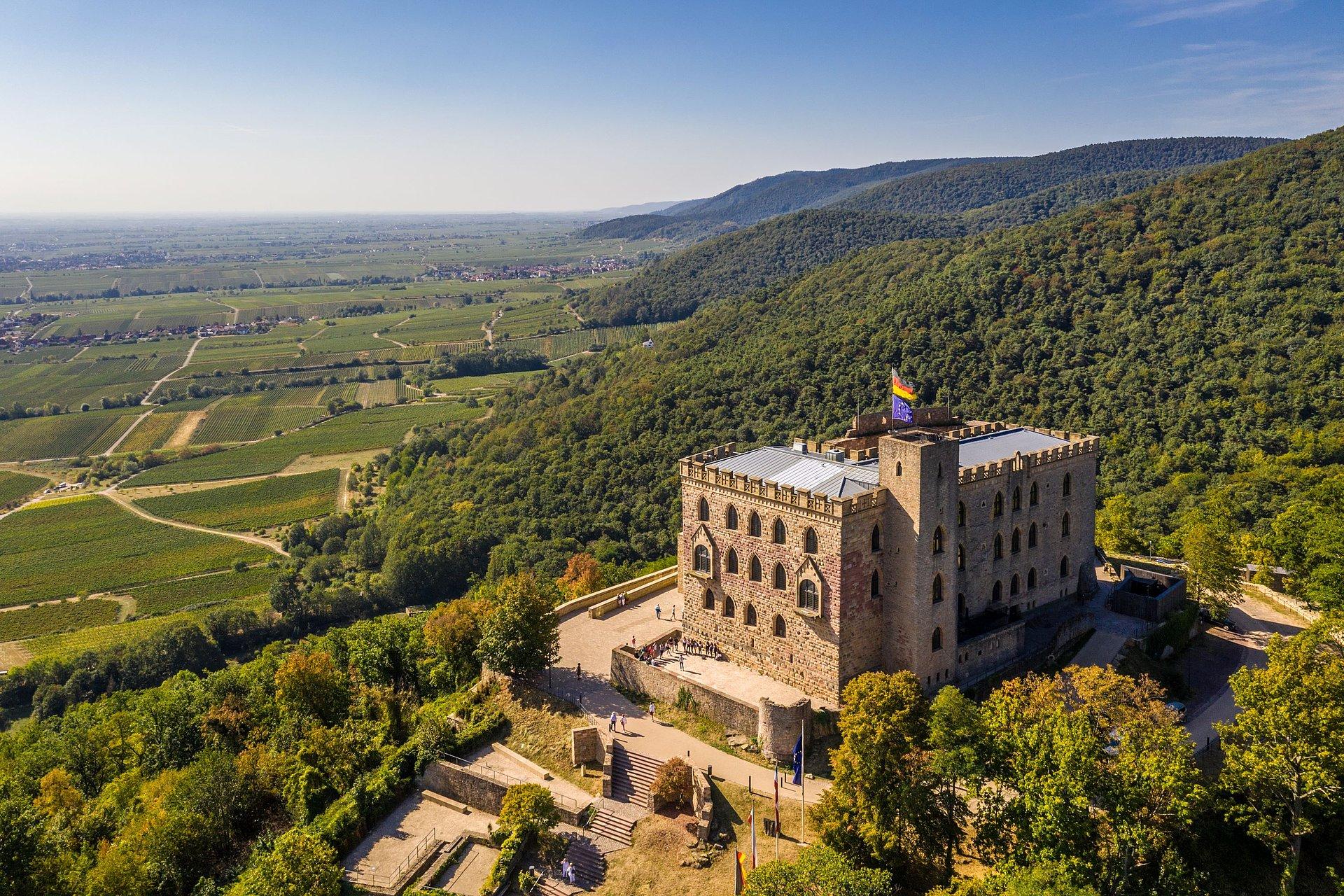 Das Hambacher Schloss bei Neustadt an der Weinstraße, Pfalz