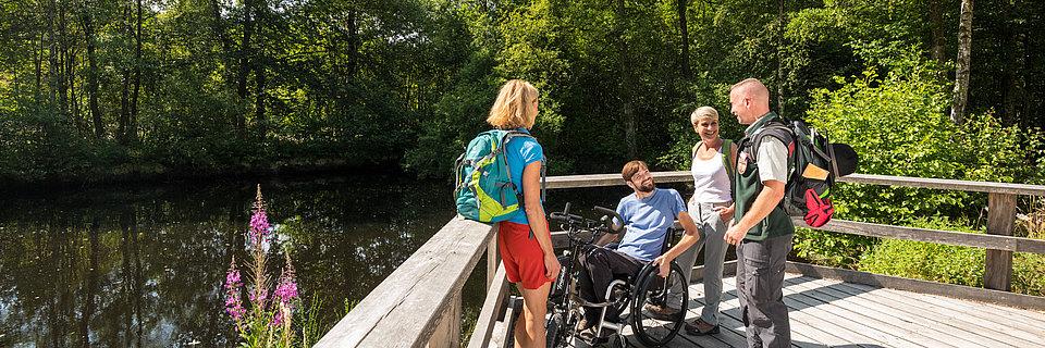 A stop along the accessible footpath circuit in Thranenweier, Hunsrück