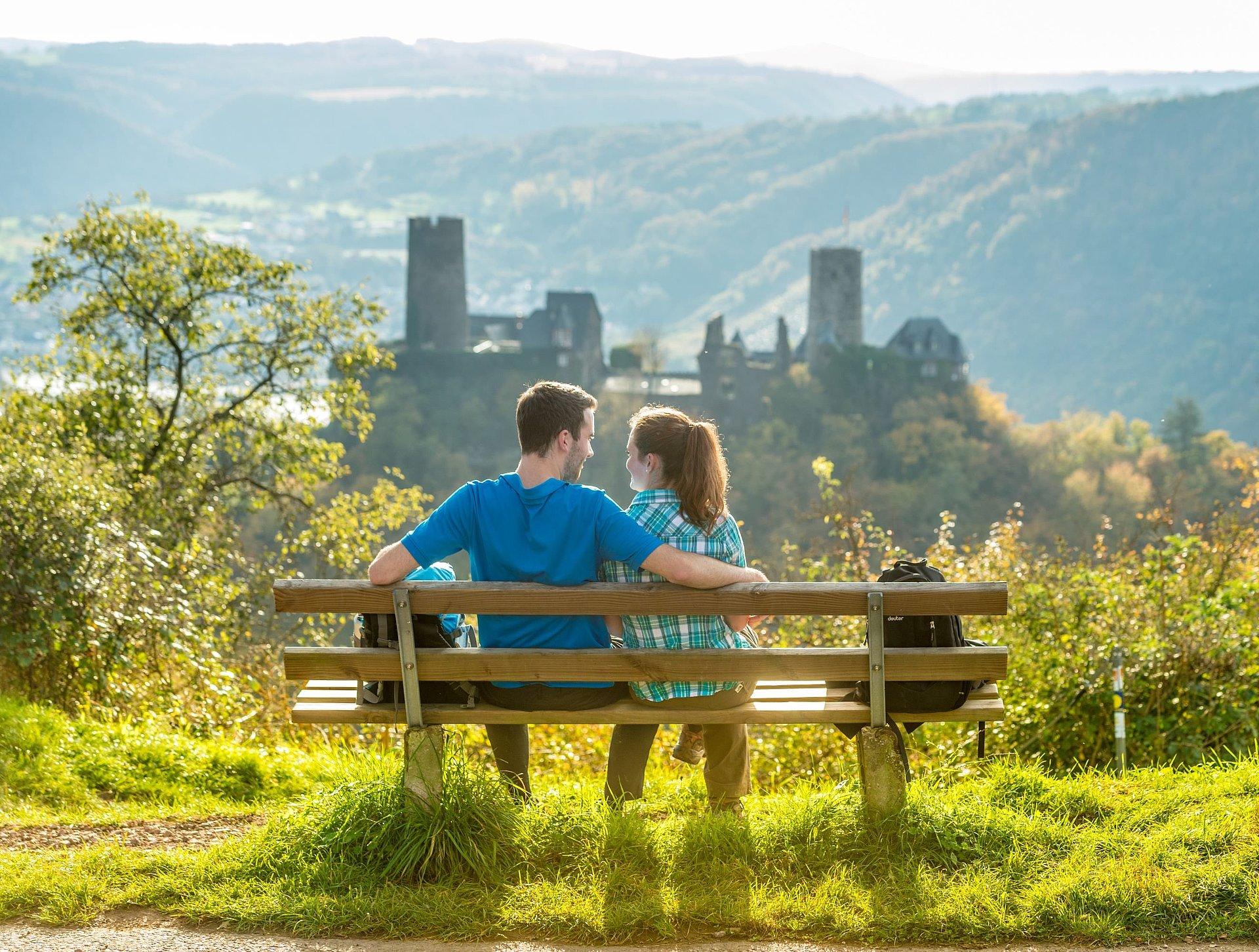 Ausblick auf die Burg Thurant, Mosel-Saar