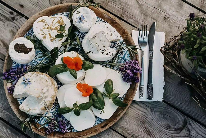Délices culinaires à base de fromage fait maison à Oberrod, Westerwald