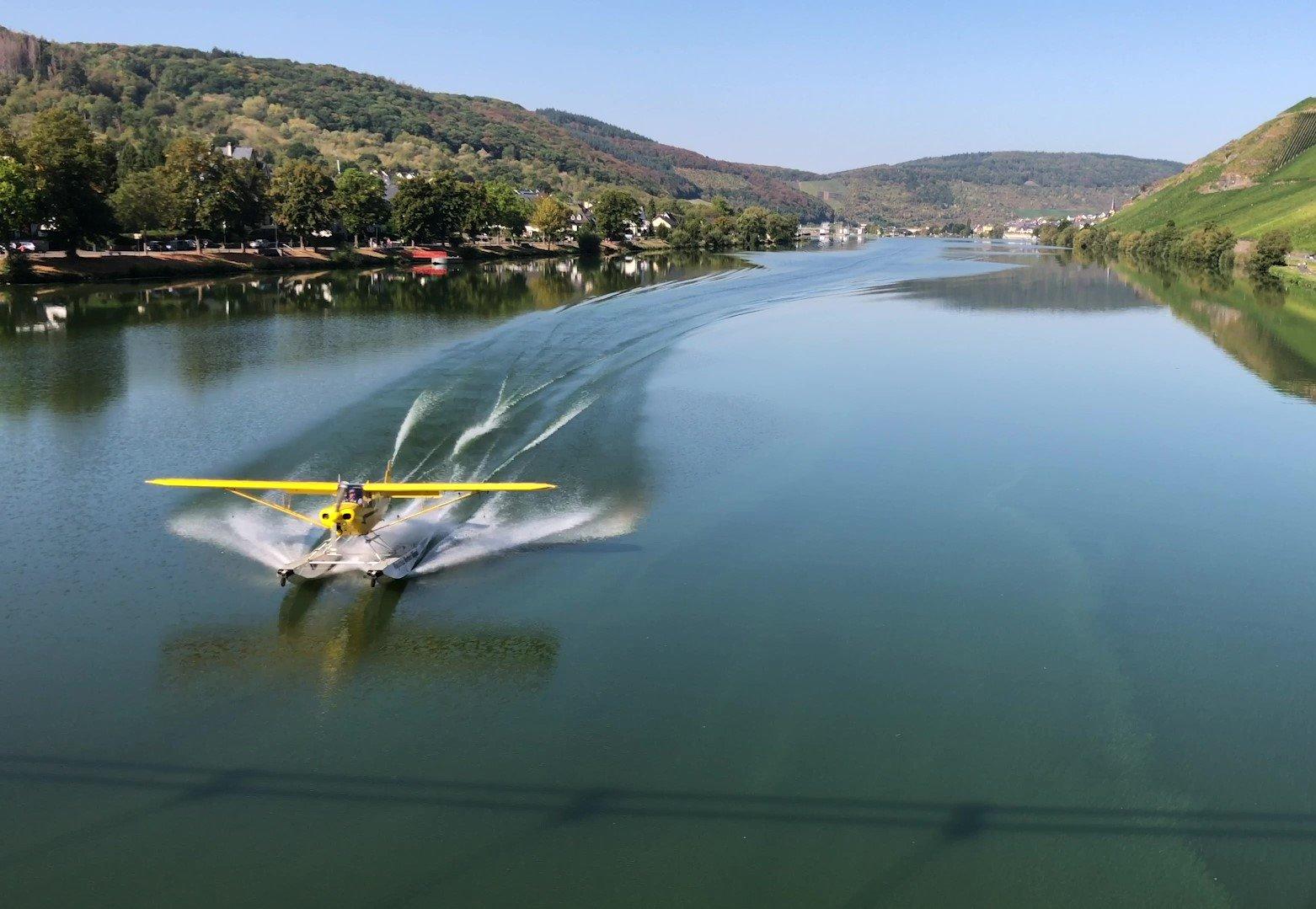 Wasserflugzeug auf der Mosel, Mosel