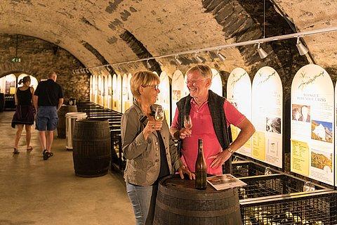 Wijnproeverij in Bernkastel-Kues, Moezel-regio