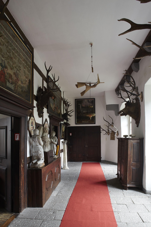 Innenansicht Schloss Bürresheim in St. Johann, Eifel