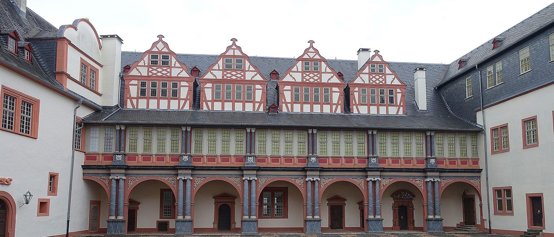 De binnenplaats van kasteel Weilburg, Lahndal