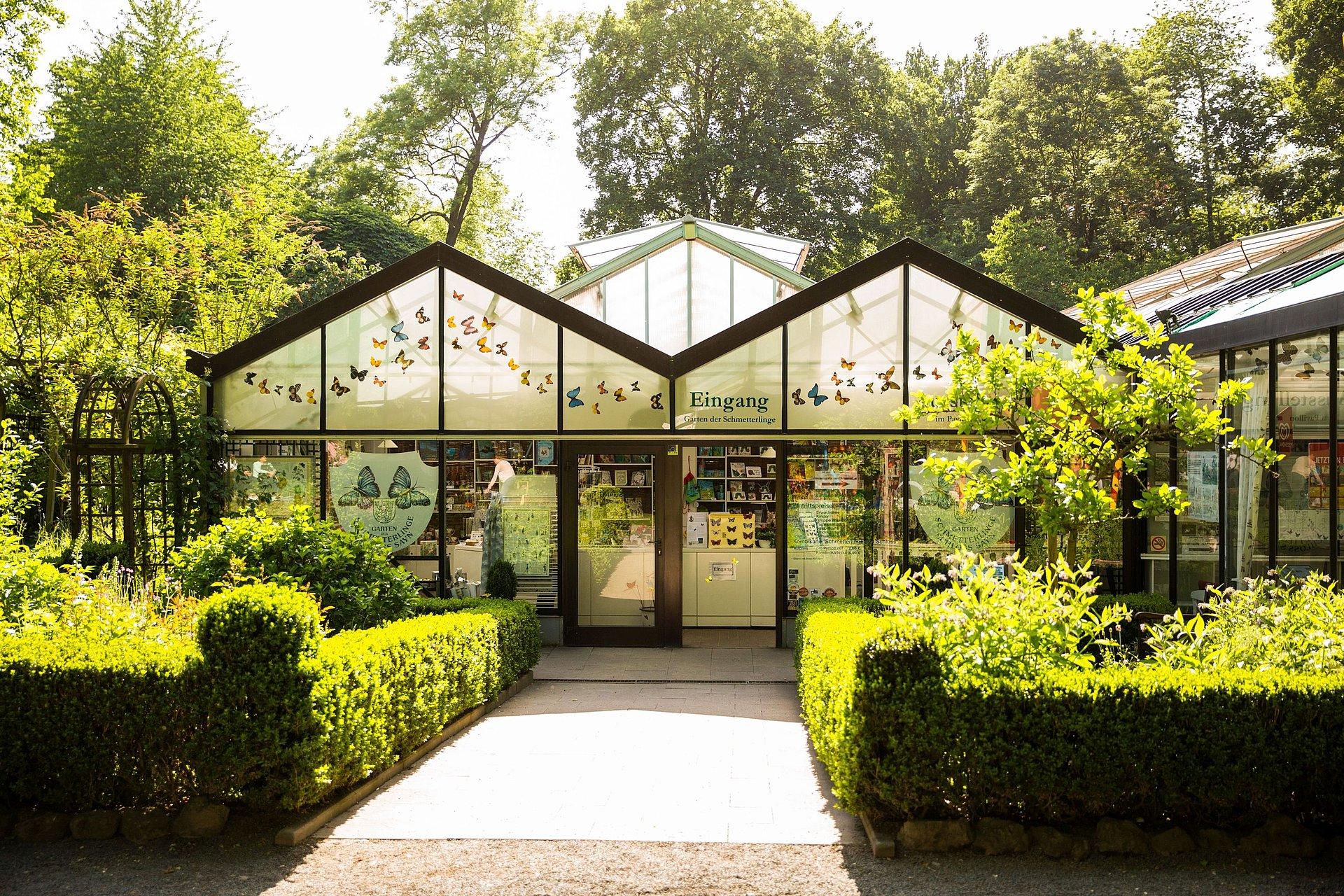 Eingang zum Schmetterlingsgarten im Schlosspark Sayn, Romantischer Rhein