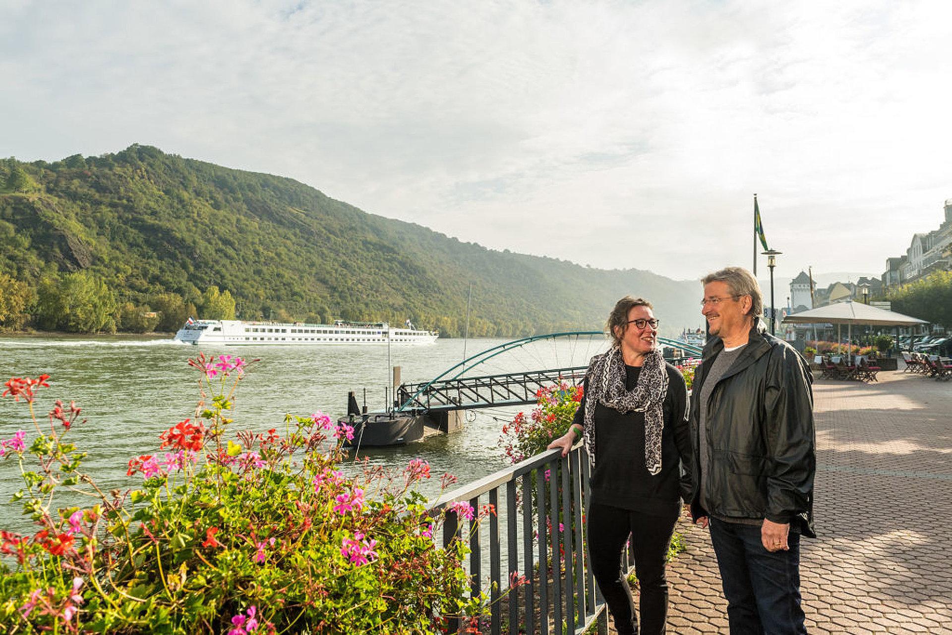 Spaziergang an der Rheinpromenade in Boppard, Romantischer Rhein