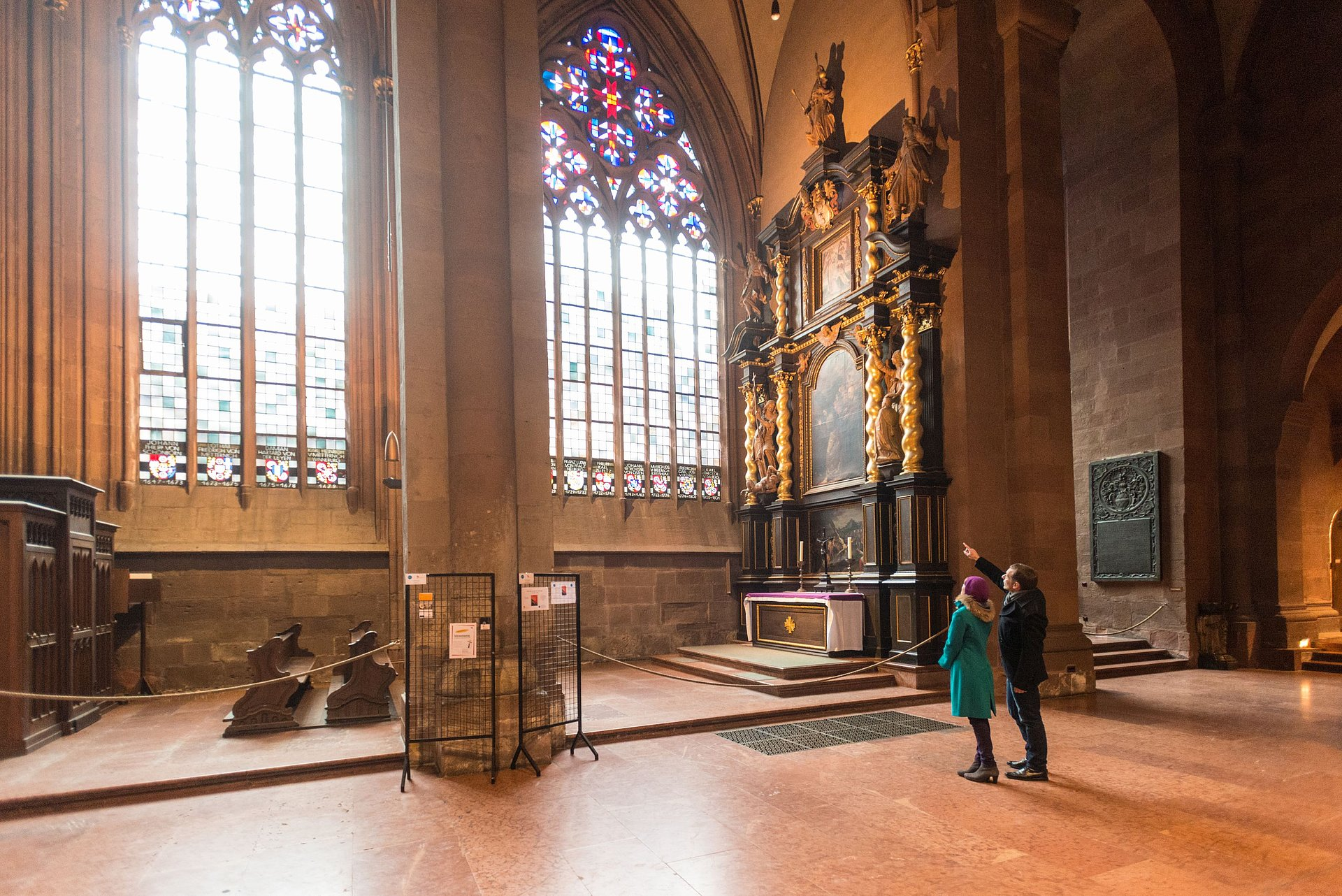 Visiting the interior of Mainz Cathedral, Rhine-Hesse