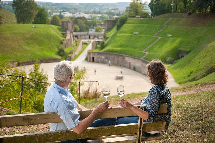 Weingenuss beim Amphitheater Trier, Mosel