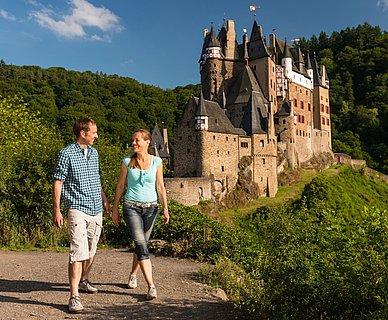 Wanderung bei der Burg Eltz bei Wierschem, Eifel