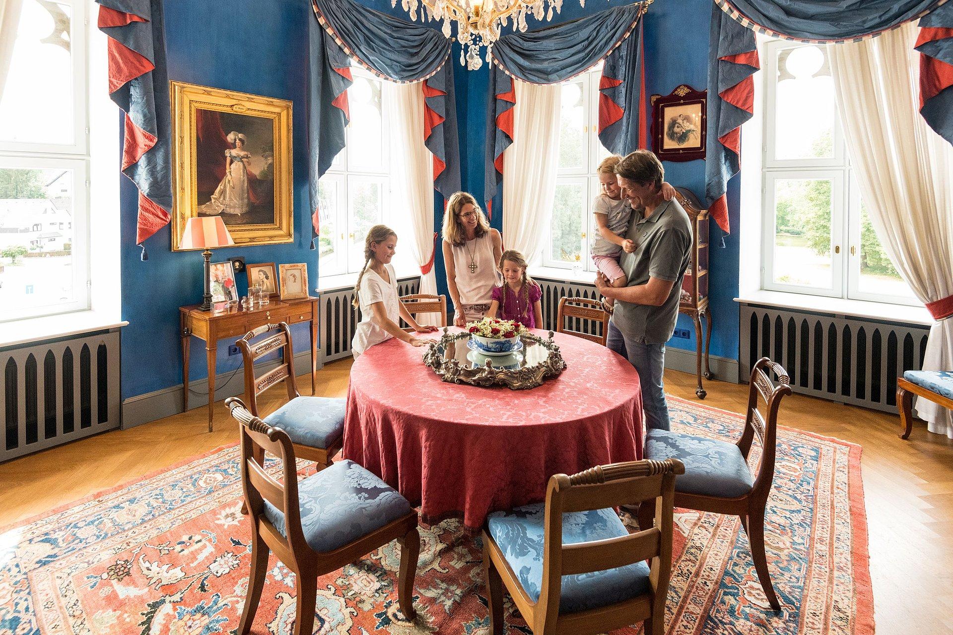 Fürstlicher Salon im Schloss Sayn, Romantischer Rhein