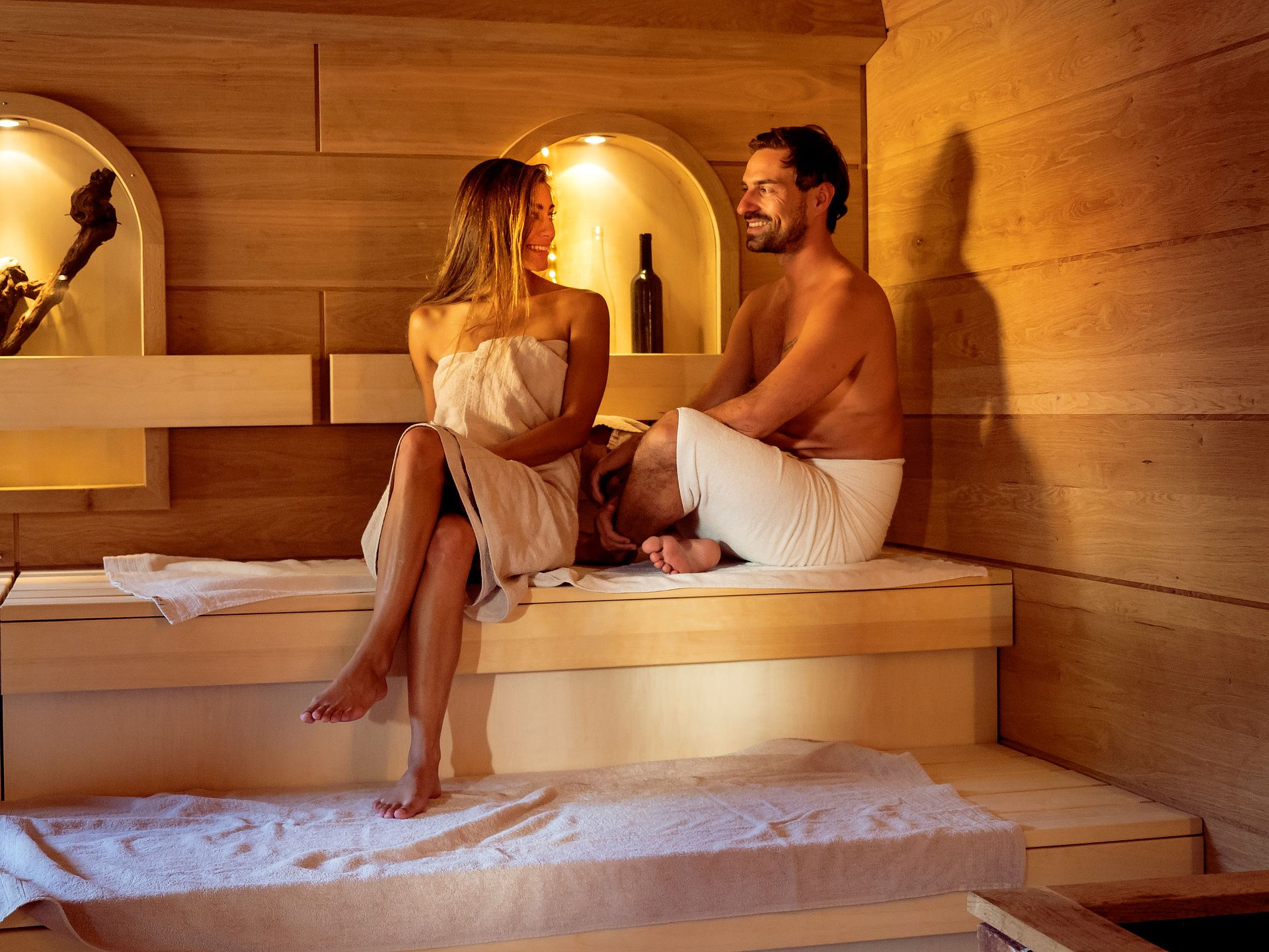 Ontspanning in de Riesling-sauna in de Südpfalz Therme, Palts