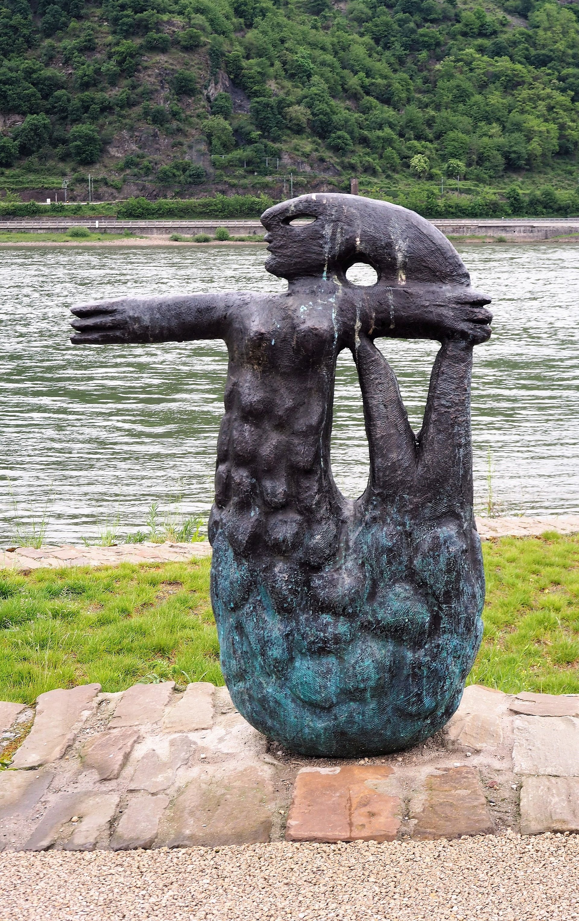 Metten sculptuur van de Lorelei in Bacharach, Romantische Rijn