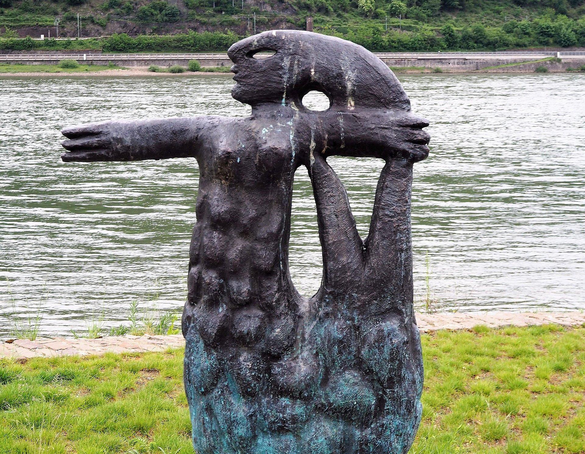 Metten-Skulptur der Loreley in Bacharach, Romantischer Rhein