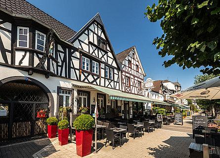 Uferpromenade in Bad Breisig am romantischen Rheinl