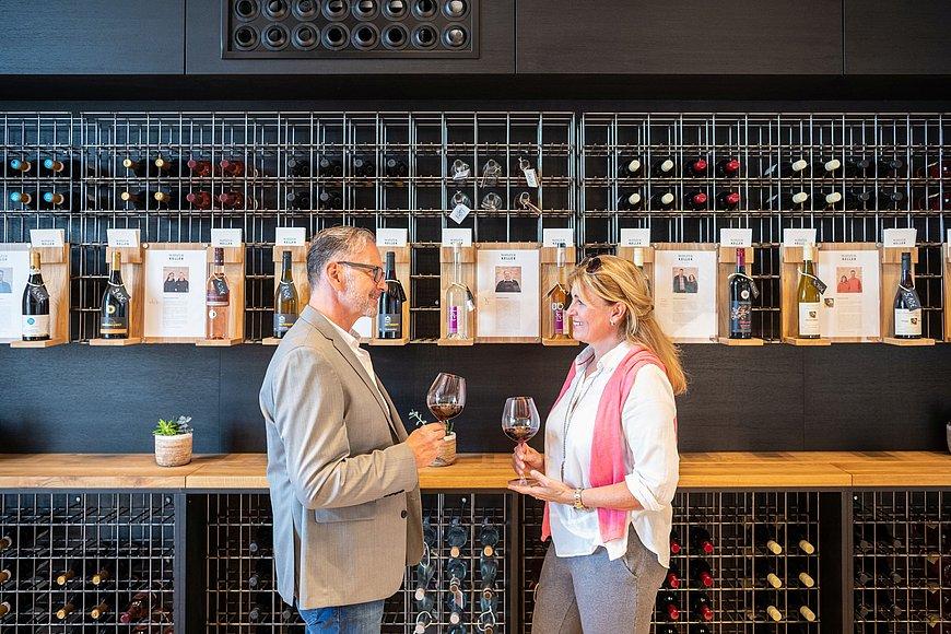 Wijnproeverij in Ingelheim, Rijn-Hessen