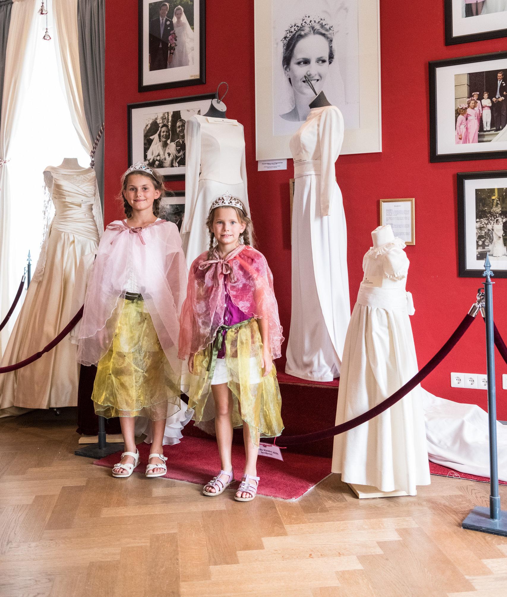 Verkleiden als Prinzessinnen im Schloss Sayn Bendorf, Romantischer Rhein