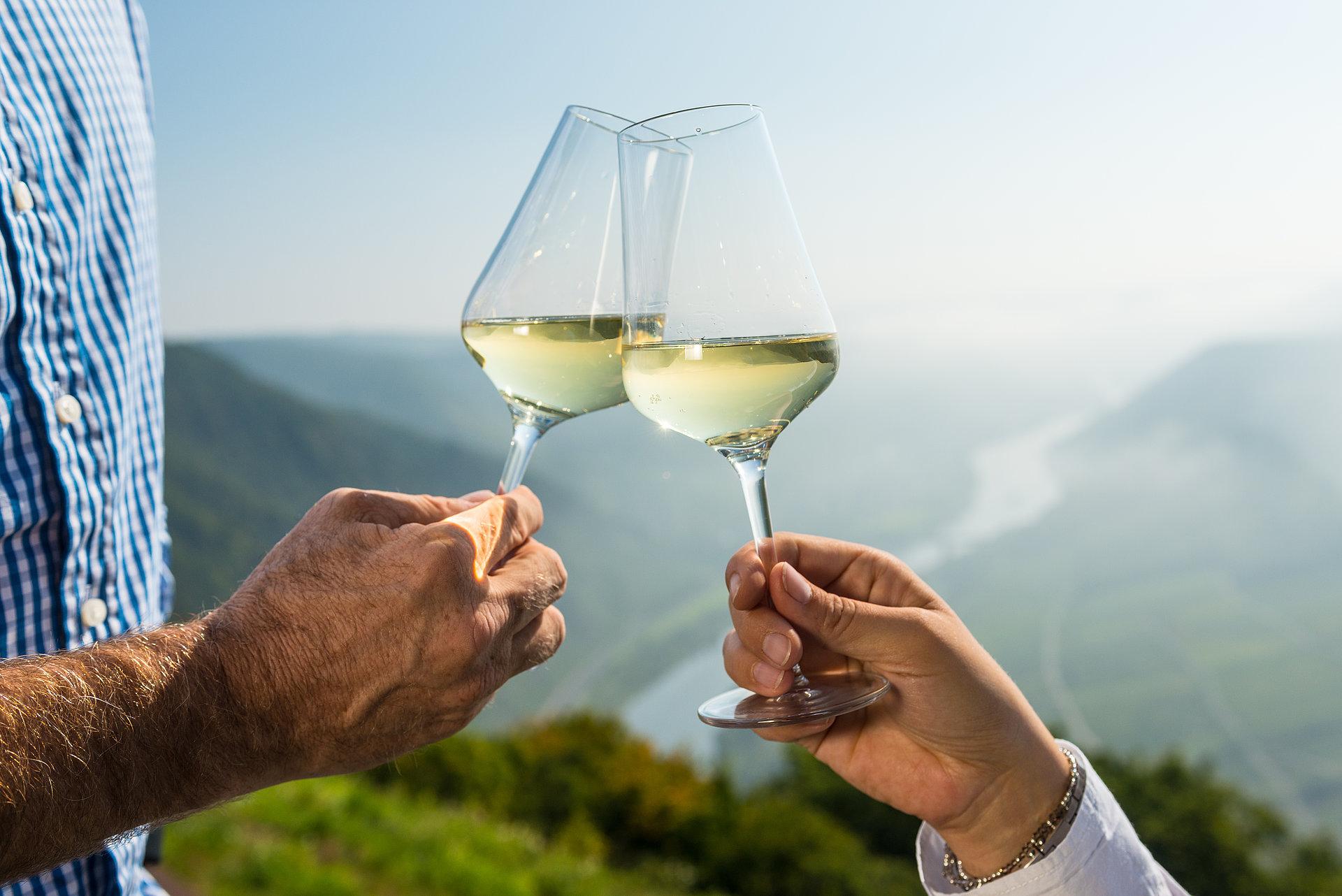 Geniet van wijn bij de Moezellus bij Bremm, Moezel-regio