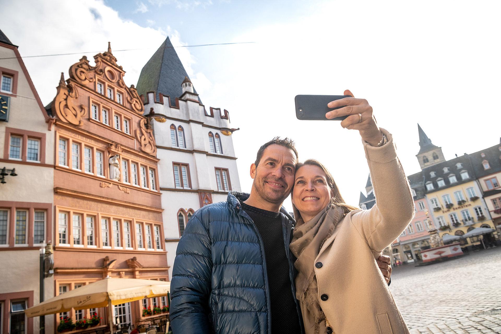 Selfie auf dem Hauptmarkt Trier, Mosel