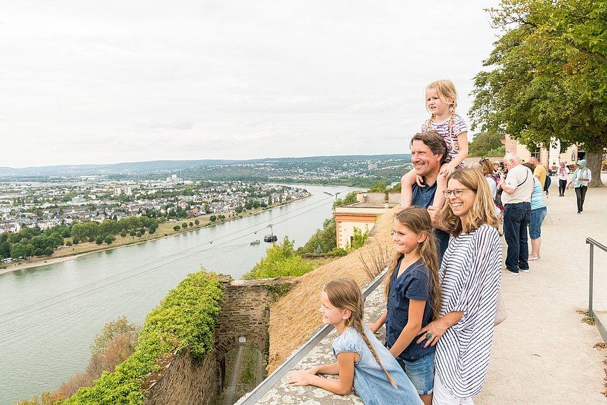 Ausblick auf den Rhein von der Festung Ehrenbreitstein Koblenz, Romantischer Rhein