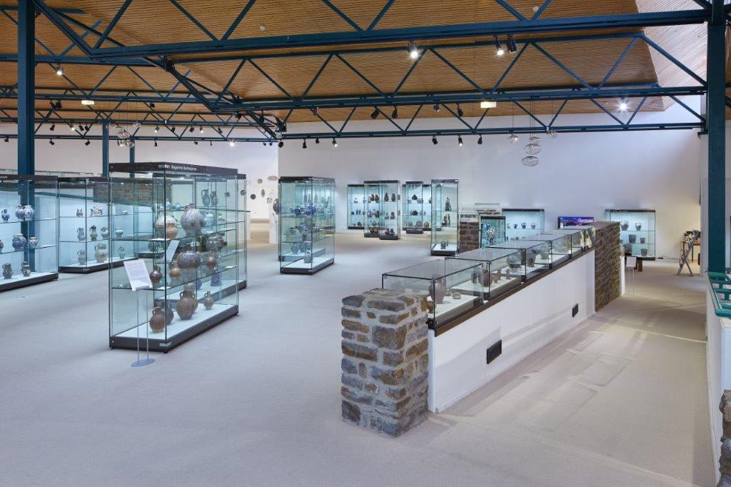 Interieurruimte van het keramiekmuseum, Westerwald