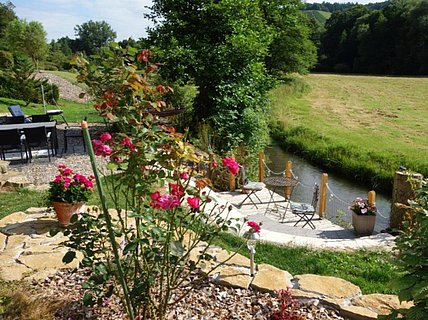 Garten mit Mühlenbach