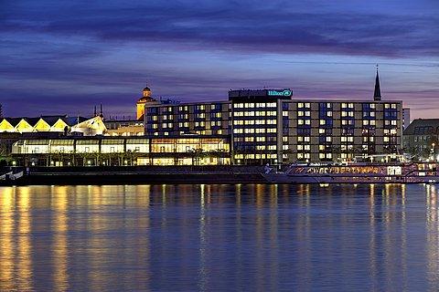 Hilton Hotel Mainz Außen