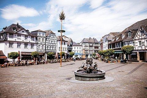 Marktplatz Linz am Rhein