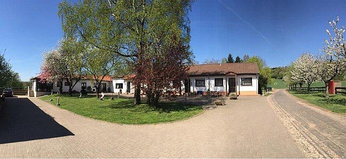 Ferienwohnungen mit Wohnhaus