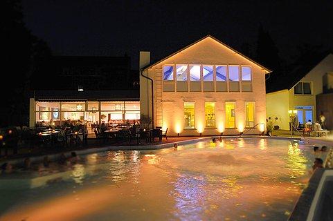 Abendkulisse Meerwasserpool & Restaurant