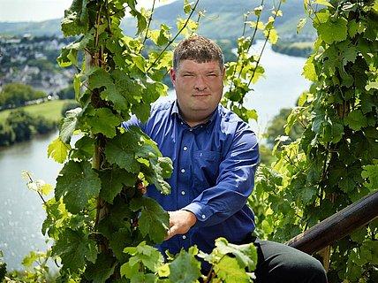 Marcus Haag in seinem Weinberg