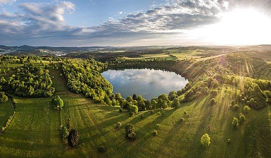 Sonnenaufgang am Weinfelder Maar